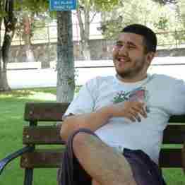 Pamukovalı üniversite öğrencisi ramazan uçar banyoda ölü bulundu.