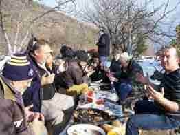 Geyve Bağlarbaşı köyünde dostlar Kış Pikniğinde bir araya geldi.25
