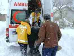 Taraklı da diyaliz hastasına ambulans ve il özel idare ekipleri ulaştı..2
