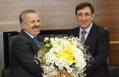 AK Parti'de Şaban Dişli Görevini Devretti…