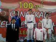 canakkale-sehitleri-adina-karate-turnuvasi-geyveden-madalya-alanlar- (8)