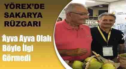 CHP Milletvekili Baykal'da Hediyesini Aldı