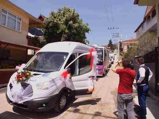 Başka Olur Minibüsçülerin Düğünü