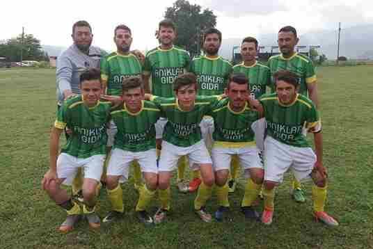 Geyve Bayatspor Lidere ilk Mağlubiyetini Tattırdı