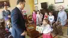 geyve-hasan-can-ana-okulu-ogrencileri-idris-akbiyik-kaymakam-ziyareti- (3)