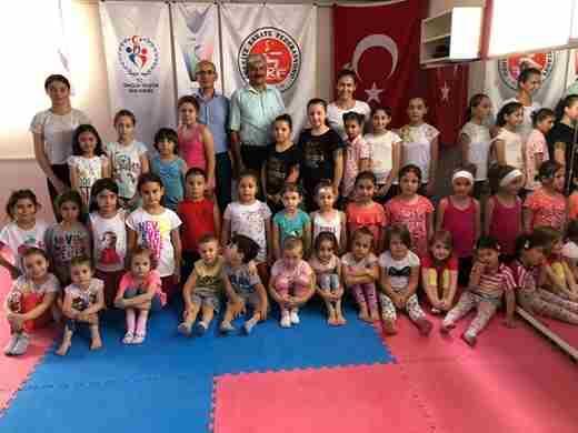 Geyve Karate ve Cimnastik yaz spor okulları devam ediyor