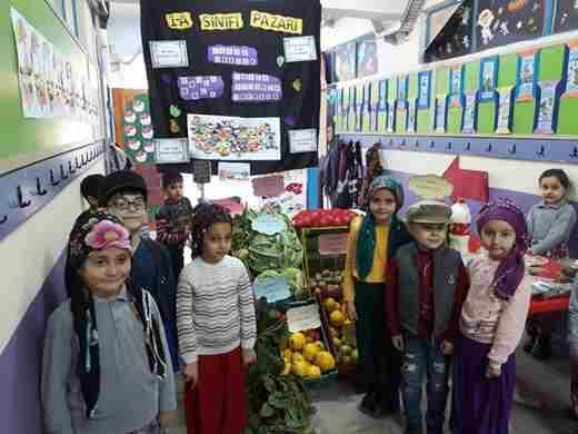 Kozan'da Yerli Malı Pazarı