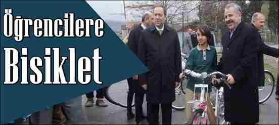 Geyve'de Öğrencilere Bisiklet Dağıtıldı