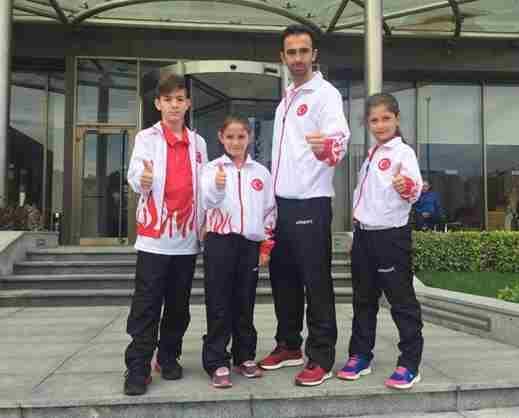 Geyve'li üç sporcu bir antrenör milli takımda…