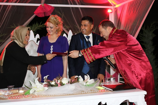 Genç Çiftin Nikahını Başkan Kaya Kıydı.