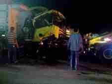 pamukova-ak-gida-onunde-trafik-kazasi- (1)