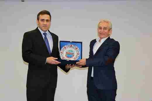 Geyve'li Prof. Ali Deniz Hocadan Konferans..