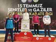 sakarya-15-temmuz-sehitler-karate-turnuvasi-geyveli-karateciler-8