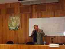 turk-iktisat-profesor-une-buyuk-onur